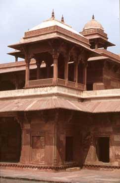 5 Best Experiences in Agra – Things To Do Beyond Taj Mahal